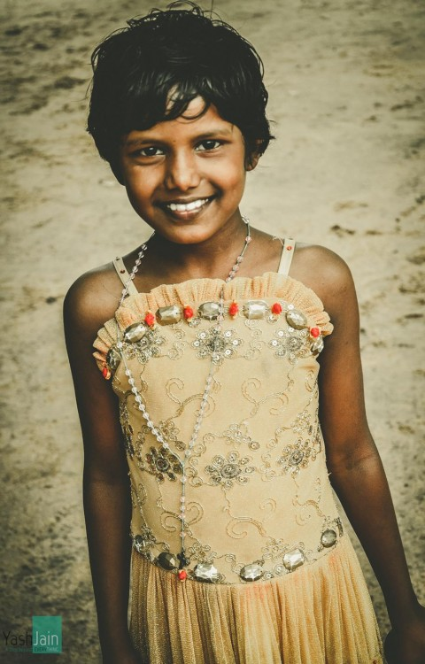 Shelter Home , Kids , Chennai , Indian , Poverty , Happiness , Photography , Orphan , Love , Future , Adopt , Playing , ground , Girl, Priceless , Smile, Gold